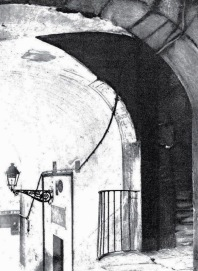 Arco de Cuchilleros