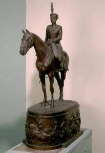 Dª Victoria Eugenia a caballo.