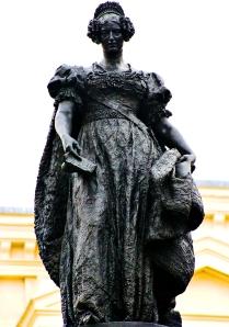 Monumento a Mª Cristina 4