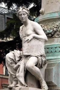 Monumento a Mª Cristina