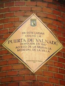 Puerta de Valnadú.