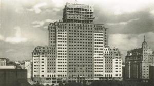 El Edificio España en constucción