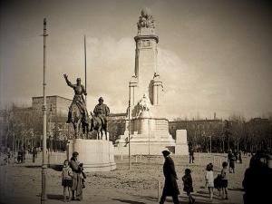 La plaza de España antes de la construcción del Edificio España