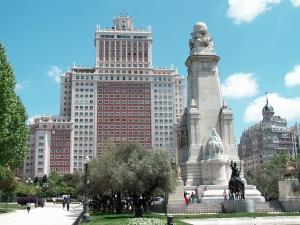 La plaza de España y el Edificio España