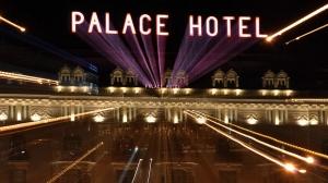 El luminoso del Palace
