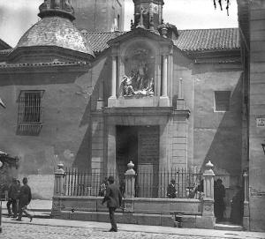 Entrada iglesia de san sebastián