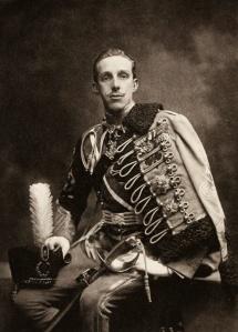 Alfonso XIII con uniforme de Húsar