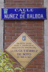 Placa dedicada a Luis Gutiérrez de Soto