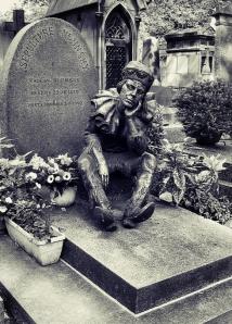 Tumba de Nijinsky en el Cementerio de Montmartre de París