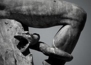 Detalle del Monumento del Ángel Caído