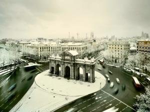 La Puerta de Alcalá bajo la nieve