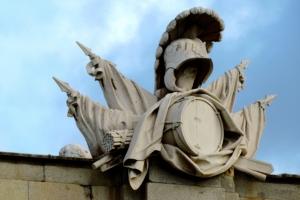 Armaduras, estandartes y trofeos - Fachada Oeste