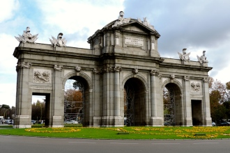 Puerta de Alcalá - Fachada Oeste