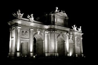 La Puerta de Alcalá de Noche