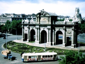 La Puerta de Alcalá en los años 60