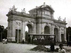 La Puerta de Alcalá en 1940