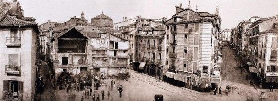 Obras de Remodelación de la Puerta del Sol hacia 1850. De izda. a dcha. podemos ver las calles  Myor, Arenal y Preciados.